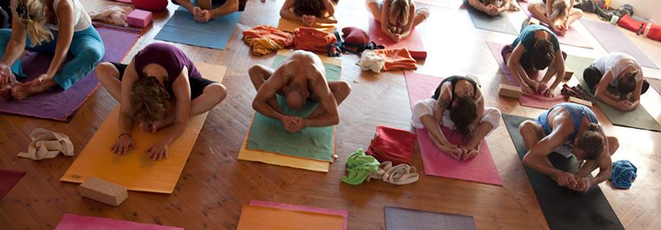 patrick broome yoga studios m nchen preise krankenkassenkurs. Black Bedroom Furniture Sets. Home Design Ideas