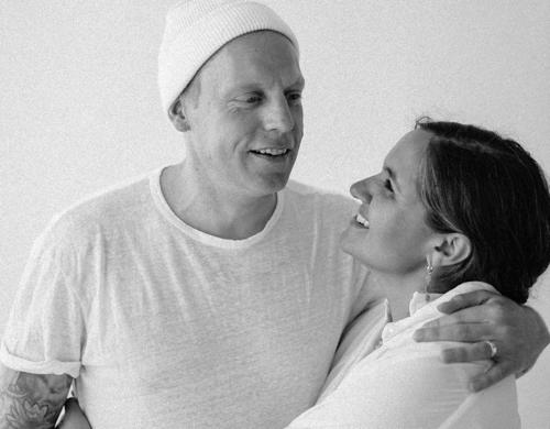 Reconnection — Kundalini Yoga Workshop mit Mitali Akal Nampreet und Robert Ehrenrband
